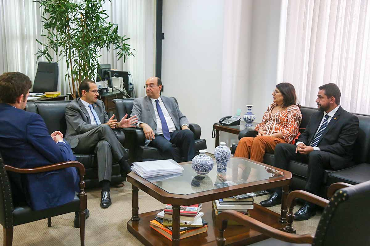 Thiago Auricchio, Edmir Chedid e Gianpaolo Smanio, chefe do MP, Beth Sahão e Danilo Balas